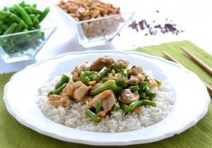 Zöldbabos-mogyorós csípős csirke