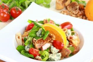 Kék sajtos saláta fügével