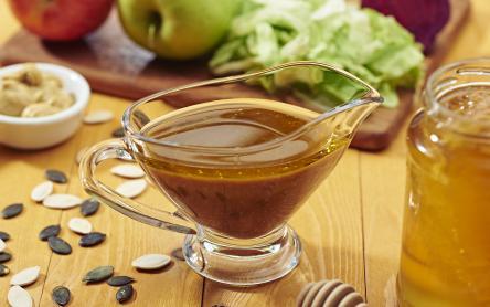 Tökmagolajos, mézes-mustáros dresszing