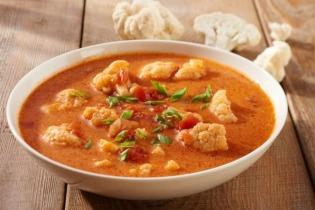 Thai curry-s karfiol leves