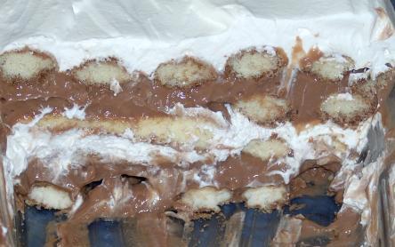 Gyulus finomság (csokipudingos, tejszínhabos rakottas)