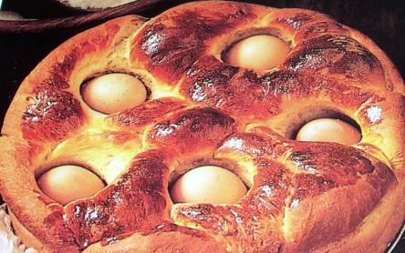 Tojással sült foszlós húsvéti kalács