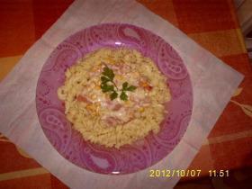 Tejszínes-sajtos-sonkás spagetti