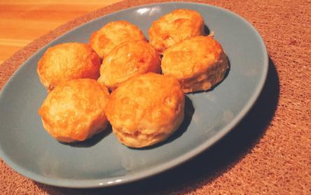 Laktózmentes sajtos pogácsa