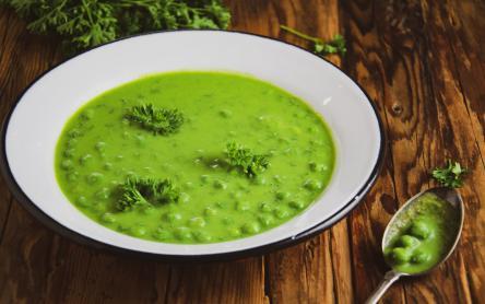 Tej- és lisztmentes zöldborsófőzelék - Iklódi Dóra konyhájából