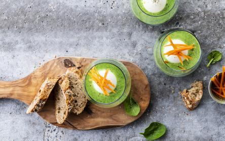 Spárgakrémleves tojással