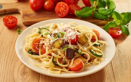 Grillezett zöldségek linguine tésztával