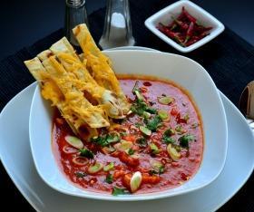 Mexikói sült paradicsom leves csirkehússal