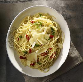 Fokhagymás-chilis spagetti