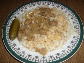 Bakonyi sertéspörkölt tésztával