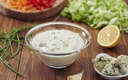 Kéksajtos, majonézes saláta dresszing