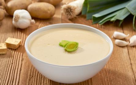 Joghurtos burgonyakrémleves