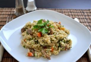 Keleti rizseshús báránnyal és sárgarépával
