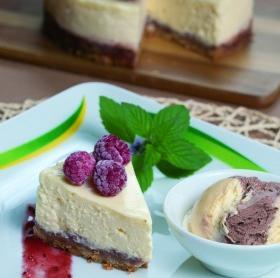 Málnás sajttorta Carte d Or Milka jégkrémdesszerttel