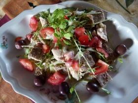 Borsócsírás csirkés saláta