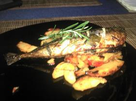 Sült makréla mediterrán burgonyával