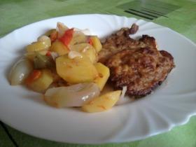 Sertéslapocka vele sült zöldségekkel