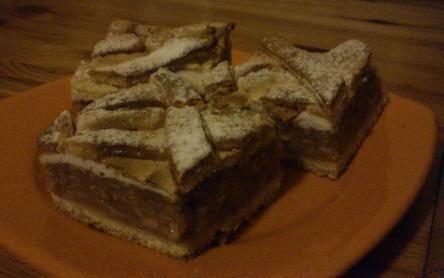 Krémes-habos almás pite