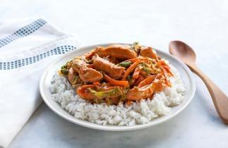 Ázsiai pulyka pirított zöldségekkel