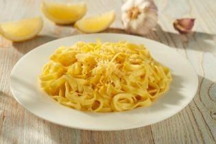Fokhagymás, vajas, citromos tészta