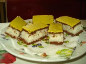 Sárga kókuszos süti