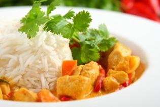 Joghurtos csirke curry