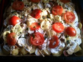 Sajtos, zöldséges rakott krumpli