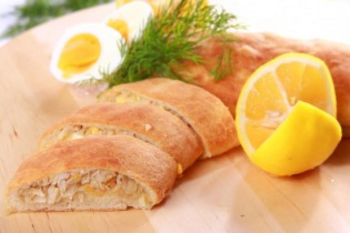 Tésztában sült tőkehal káposztával (kulebiak)