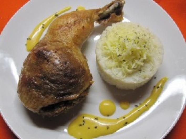 Töltött csirkecomb házi majonézzel és rizzsel