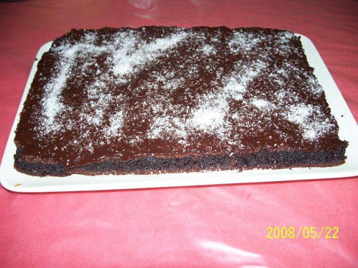 Belga csokitorta (krémes lesz a belseje sütés során)