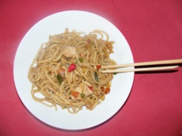 Csirkemelles kínai tészta