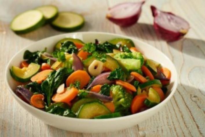 Nyári egytál ropogós zöldségekből