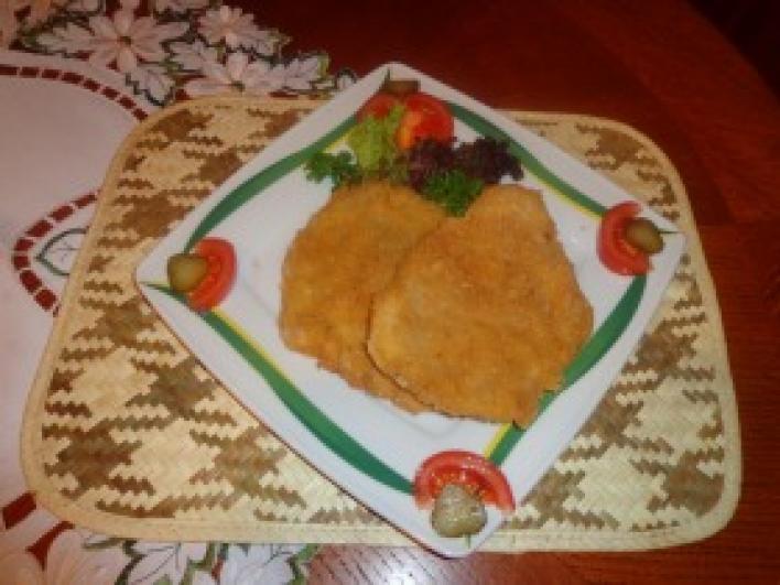 Joghurtos fokhagymás rántott szelet