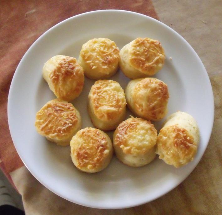 Hajtogatott sajtos pogácsa