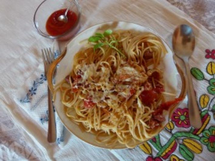 Vörösboros kolozsvári szalonnás spagetti csőben sütve
