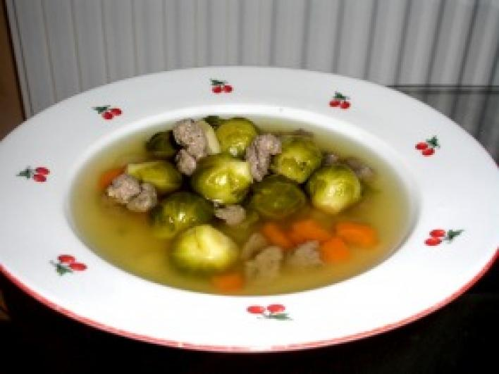 Kelbimbó leves májgombóccal