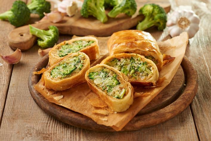 Brokkolis, sajtos rétes