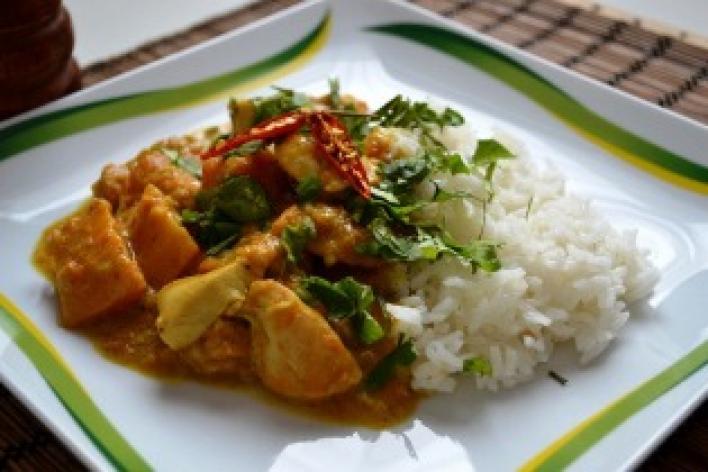 Csirkés, sütőtökös curry