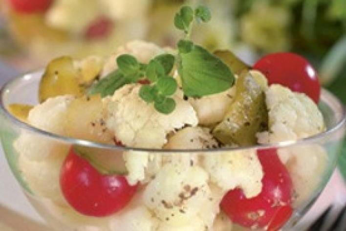Fűszeres karfiol saláta