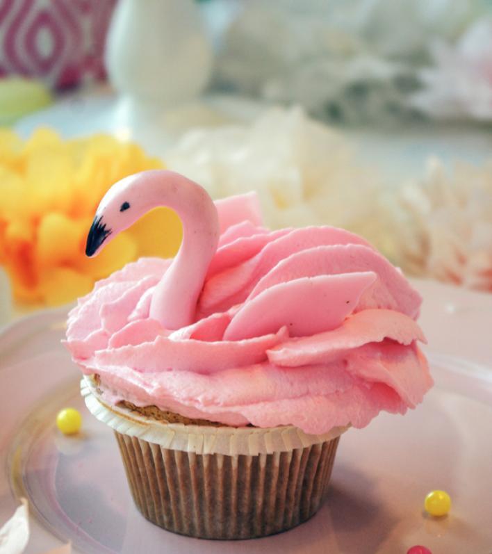 Pink flamingo cupcake