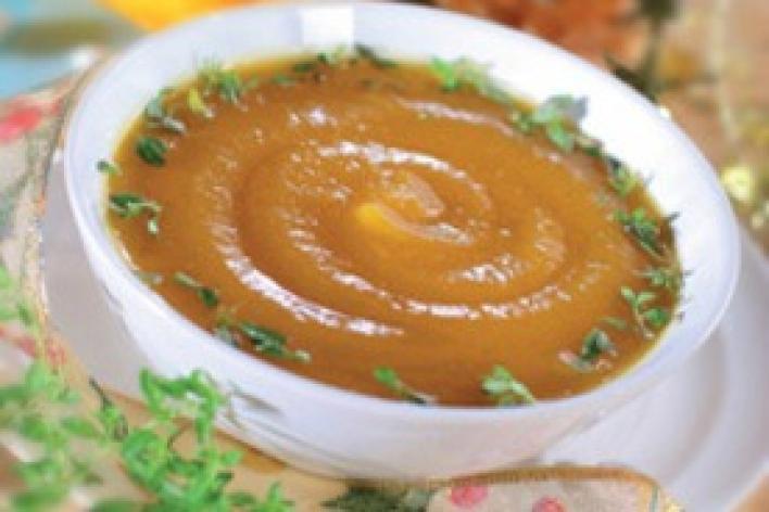 Zöldfűszeres sütőtök leves