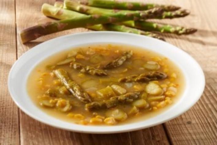 Spárgás kukorica leves