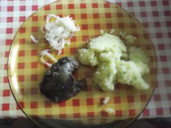 Zöldfűszeres krumpliköret