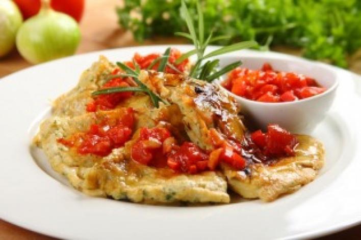 Tortilla spanyol paradicsom szósszal