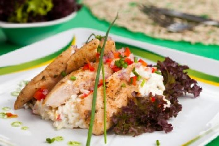 Mediterrán csirkés rizssaláta