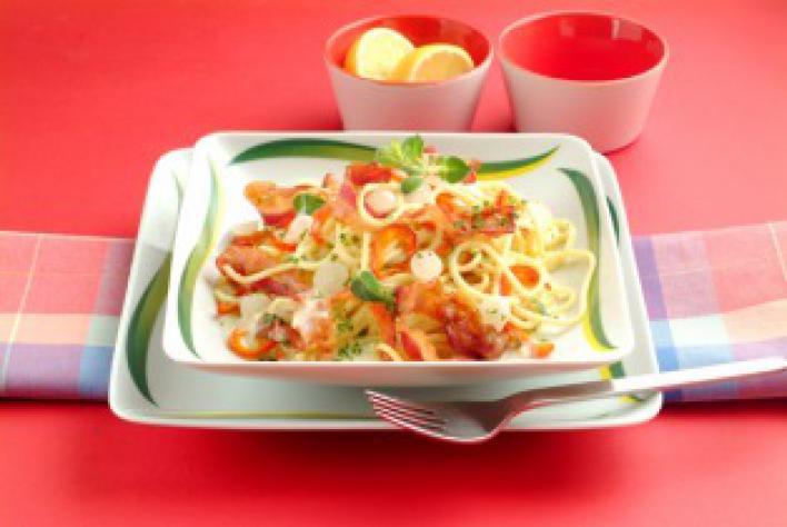 Baconös-zöldséges spagetti