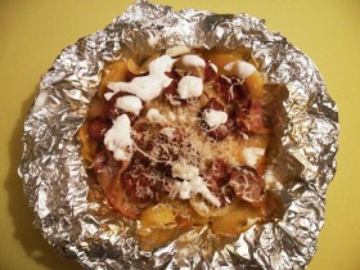 Kolbászos-krumplis batyuk