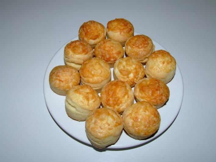 Duplán sajtos pogácsa