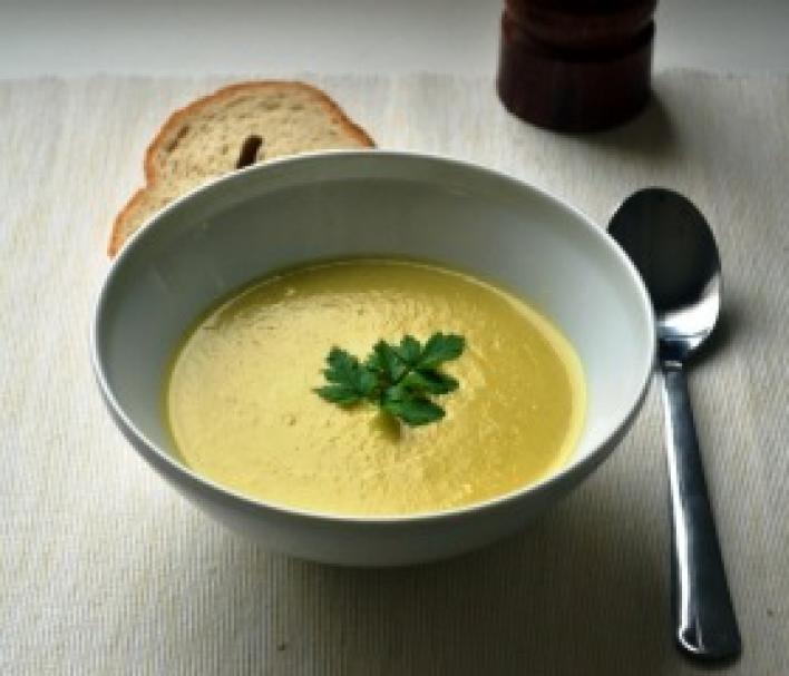Currys pasztinák krémleves
