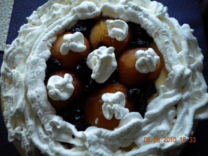 Barackos, meggyes, krémes torta